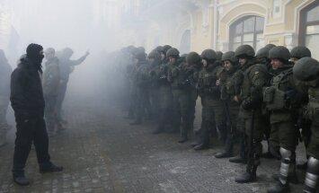 Kijevā notikušas policijas un protestētāju sadursmes