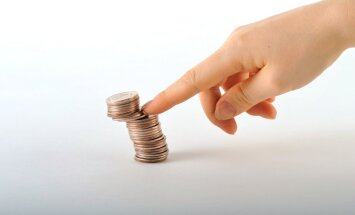 Nākamā gada budžetā gaidāms par 0,2% lielāks deficīts, prognozē fiskālā padome