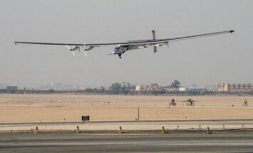 'Solar Impulse 2' dodas pēdējā ceļa posmā no Kairas uz Abū DabĪ