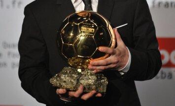 Uz gada labākā futbolista balvu atkal pretendē Mesi, Ronaldu, Ibrahimovičs un Neimars