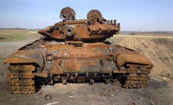 Foto: Izdeguši tanku vraki – pierādījums Krievijas meliem par karu Ukrainā