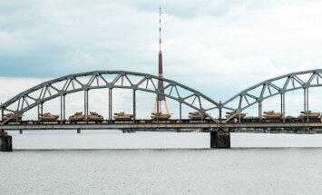 Smagās militārās tehnikas izmantošana Baltijā ir apgrūtināta, vēsta laikraksts