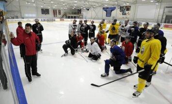 Latvijas hokeja izlase pirmajā pārbaudes spēlē savās mājās tiekas ar Zviedriju