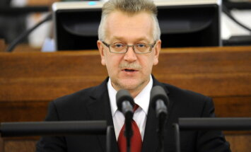 БЗС уже третий месяц не дает допуск к гостайне члену Комиссии по нацбезопасности