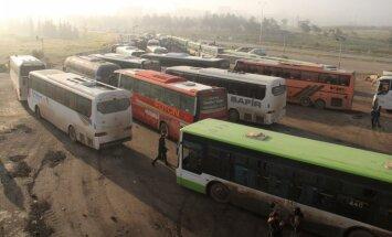 В Сирии проходит эвакуация жителей из четырех осажденных городов