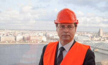 Mana pieredze var būt noderīga arī Eiropas līmenī, uzskata Dombrovskis