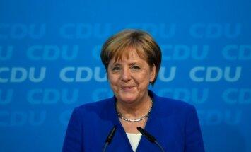 Merkele un Zēhofers panākuši vienošanos imigrācijas jautājumos