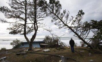 Foto: Kalifornija piedzīvo pēdējo gadu spēcīgāko vētru