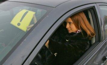 Tikai trešdaļu ceļu satiksmes negadījumu izraisa sievietes