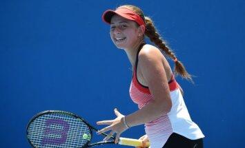 Ostapenko Sanktpēterburgas tenisa turnīrs noslēdzas jau pirmajā kārtā
