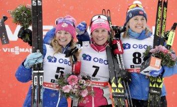 Izcilā distanču slēpotāja Bjergena uzvar Pasaules kausa posmā 30 kilometru distancē