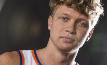 No 'Knicks' atlaistais lietuvietis Kuzminsks kļūst par Daira Bertāna komandas biedru