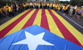 Katalonijas prezidents izsludina referendumu par neatkarību no Spānijas