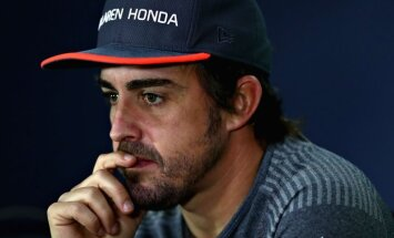 Alonso piedraud ar aiziešanu ne tikai no 'McLaren', bet arī no F-1