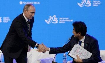 Japānas premjers aicina Krieviju savstarpējās attiecībās sākt jaunu laikmetu