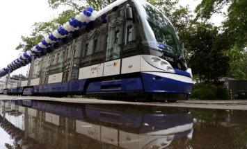 К лету Рига должна получить все 20 новых низкопольных трамваев