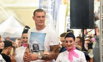 Andris Biedriņš pārsteidz ar iespaidīgu tetovējumu