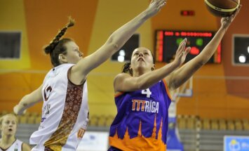 Savainojuma dēļ no Latvijas sieviešu basketbola izlases kandidātu pulka svītrota Rozenberga