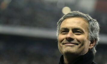 Mourinju piespriesta piecu spēļu diskvalifikācija