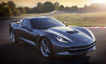 Pirmā jaunā 'Chevrolet Corvette' pārdota par miljonu dolāru