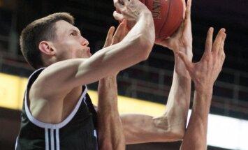 Kurucs noslēdzis ilgtermiņa līgumu ar NBA klubu 'Nets'