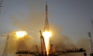 Foto: Jauna tipa 'Sojuz' ar trim astronautiem dodas kosmosā
