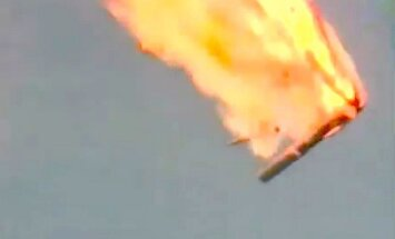 VIDEO: pacelšanās laikā eksplodē Krievijas nesējraķete
