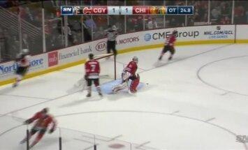 'Calgary Flames' uzvar 'Chicago Blackhawks'