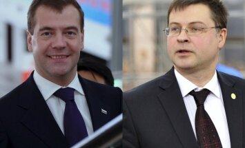 Dombrovskis ar Medvedevu cer vienoties par Latvijas un Krievijas attiecību jautājumu risināšanu
