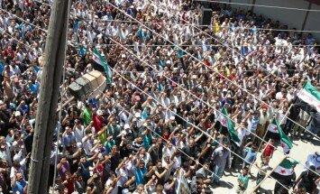 Sīrijas opozīcijas aktīvisti uzskata par pāragru veidot pagaidu valdību