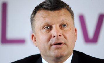 Шлесерс призвал продолжать экономическое сотрудничество с Россией