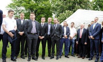 Хоккеисты сборной Латвии в неформальной обстановке встретятся с болельщиками