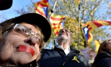 Simtiem cilvēku Briselē demonstrācijā pauž atbalstu Katalonijas neatkarības centieniem