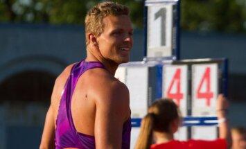 Šķēpmetējs Sirmais un kārtslēcējs Ārents kvalificējas Eiropas čempionāta finālam; Grabuste gūst traumu