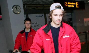 Hokejists Koļesņikovs pievienojas Norvēģijas klubam 'Knights'