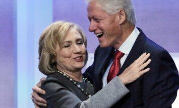 Gaismā tiek celti Klintonu laulības noslēpumi