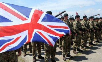 """Великобритания намерена оставить часть солдат в ФРГ после """"Брекзита"""""""