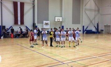 'Celtnieka' handbolisti no Latvijas čempionu troņa gāž 'Tenax' komandu