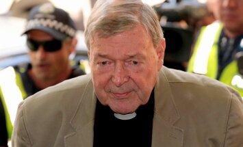 Sāk tiesāt pedofilijā apsūdzēto Austrālijas kardinālu Pellu