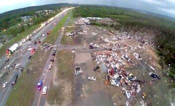 ASV tornado dzīvību zaudējuši 17 cilvēki (plkst. 15:00)