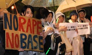 Divi ASV karavīri atzīst vainu japāņu sievietes izvarošanā