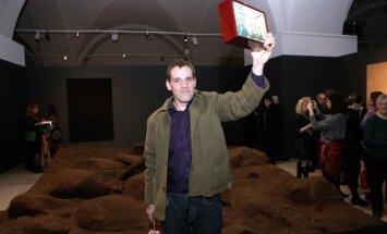 Mākslinieks Andris Eglītis: 'Vislielākā enerģija ir tad, ja darbojos uz neziņas robežas'