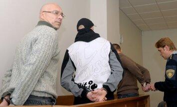 Trim slepkavībās un Vaškeviča auto spridzināšanā apsūdzētajiem tiesa samazina sodus