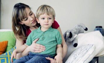 Bērnu slimnīcas ārsti vecākiem stāstīs par sāpēm, stājas traucējumiem un augšanas īpatnībām