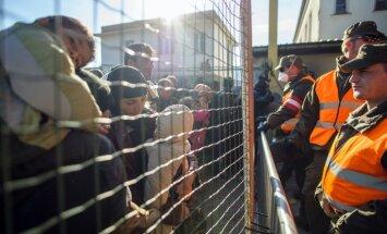Pie Albānijas robežas sapulcējies liels skaits sīriešu bēgļu