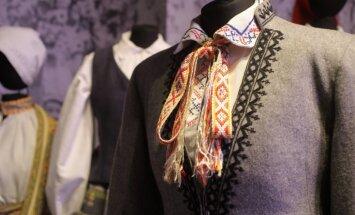 Izziņo maija ekskursijas izstādē 'Latvijas gadsimts'