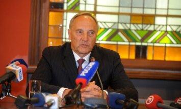Prezidents: uzaugusi paaudze, kura zina latviešu valodu, bet nevēlas integrēties