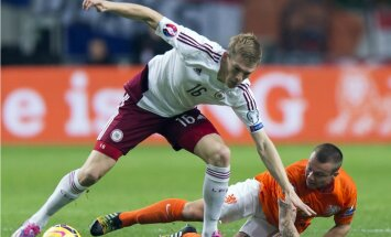 Rudņeva gūtie vārti neglābj HSV komandu no zaudējuma Vācijas futbola bundeslīgas mačā