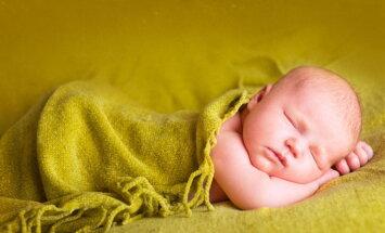 Avotiņa un gūžu pārbaude zīdaiņiem obligāta? Par valsts apmaksātiem izmeklējumiem konsultē NVD
