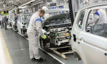 VW piecos gados investēs 34 miljardus eiro nākotnes auto attīstīšanai